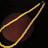 ホワイトハートビーズ(S)黄色ネックレス